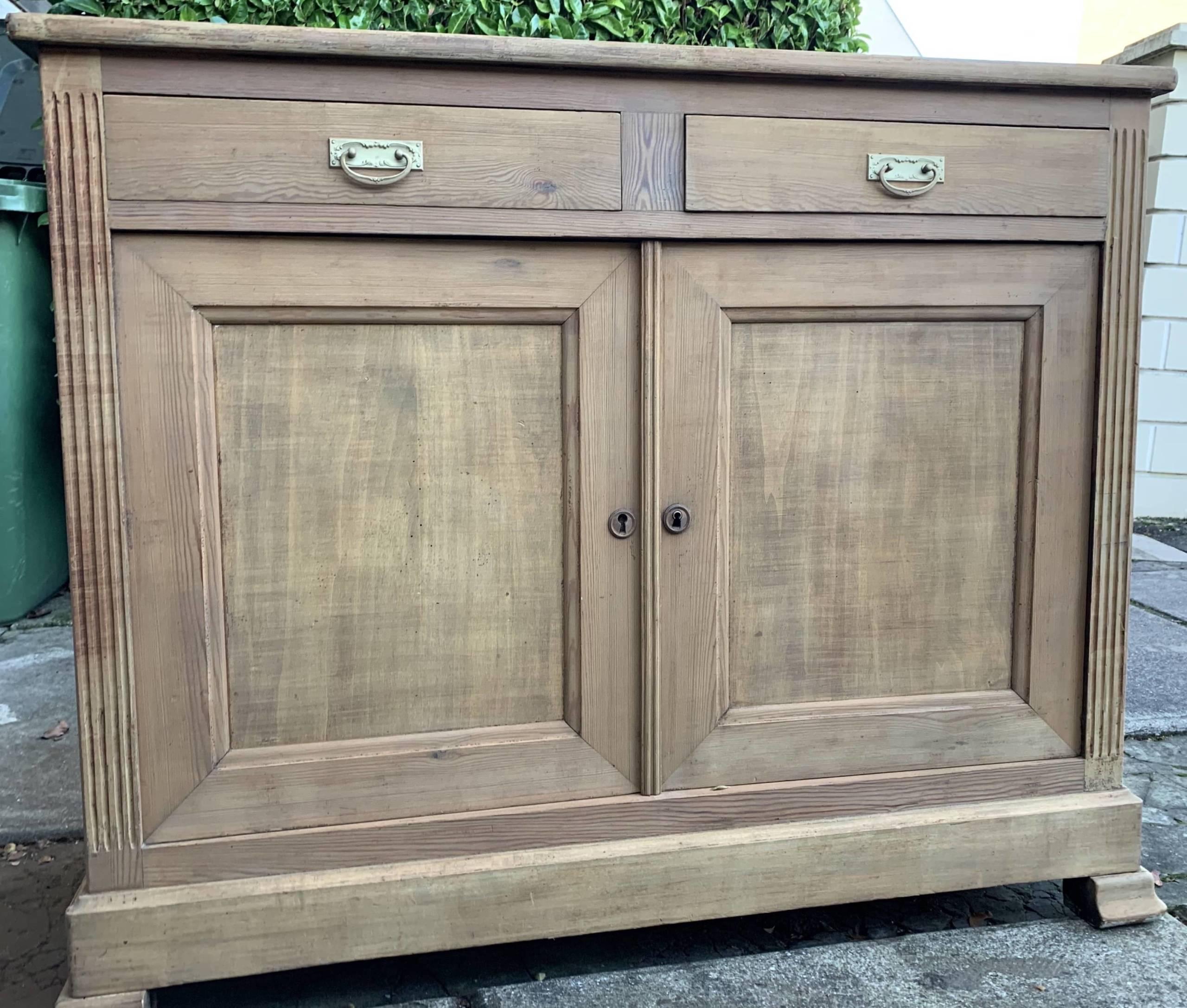 comment d caper un meuble en bois vernis avec un laser. Black Bedroom Furniture Sets. Home Design Ideas