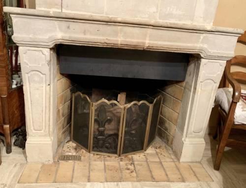 Décapage au laser d'une cheminée en pierre de taille